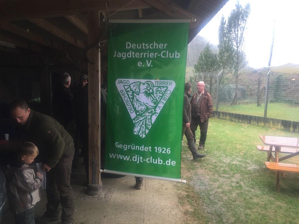 Det var en synnerligen positiv upplevelse att delta på ett tyskt Zuchtprüfung, vilka verkar vara omhuldade begivenheter!